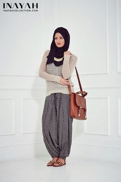 Hijab Fashion 2016/2017: Printed harem pants make this outfit amazing! #hijab