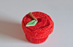 Back to School an Apple for the Teacher Cupcake