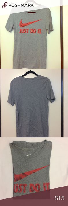 Men's (S) Nike shirt Mens size Small grey Nike shirt.  Excellent condition, used once. 🚫trades Nike Shirts Tees - Short Sleeve