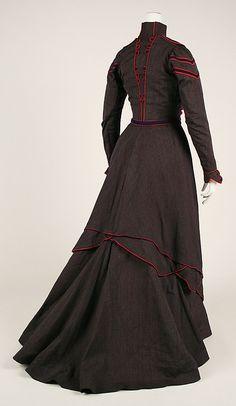 1899-1900 Walking dress, wool