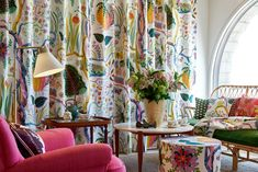 Discover high quality textiles at Svenskt Tenn. Svenskt Tenn has a wide range of beautiful textile patterns and materials. Josef Frank, Edwardian House, Yellow Interior, Textiles, Soft Furnishings, House Colors, Colorful Interiors, Living Room Designs, Hawaii