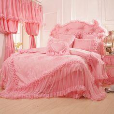 Pink-Jacquard-Bedding-Set-font-b-Luxury-b-font-4pcs-Princess-Lace-Ruffles-Bedclothes-Bedspread-Include.jpg (800×800)