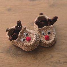 Oh Deer - reindeer crochet baby booties pattern by Croby Patterns