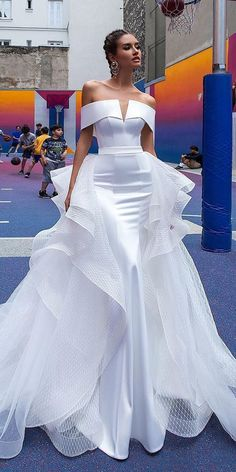 Sexy Wedding Dresses Ideas ♥ Don't want to look like white princess in your wedding dress on your big day? We collected for you some sexy wedding dresses which are elegant alternatives. Source by weddingforward ideas Sexy Wedding Dresses, Designer Wedding Dresses, Elegant Dresses, Sexy Dresses, Bridal Dresses, Prom Dresses, Casual Dresses, Strapless Dress Formal, Fashion Dresses
