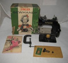 Vintage Child's Singer Sewing Machine Black Sew Handy Model No 20 NMIB