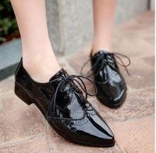 2014 nueva primavera de cuero Japanned del dedo del pie puntiagudo mujer Oxfords moda grueso tacón zapatos Oxford zapatos para Plus Size envío gratis(China (Mainland))