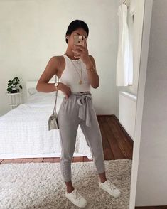 (notitle) Cute Shoes With Women Fall Outfits Source by thepinmag shoes with j . 20 Cute Shoes With Women Fall Outfits Source by thepinmag Cute Comfy Outfits, Simple Outfits, Classy Outfits, Pretty Outfits, Stylish Outfits, Sporty Outfits, Teen Fashion Outfits, Mode Outfits, Outfits For Teens