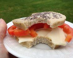 Low Carb HIGH fat microovnsbolle eller indisk inspireret Naan pandebrød med hvidløg og nigellafrø. Selvfølgelig sukkerfri, gluten- og melfri | Opskrifter med pofiber og chia på CDJetteDCs LCHF