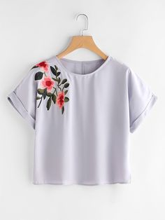 Casual Floral Top Regular Fit Round Neck Short Sleeve Batwing Sleeve and Roll Up Sleeve Grey Flower Embroidered Cuffed Sleeve Top Girls Fashion Clothes, Teen Fashion Outfits, Outfits For Teens, Crop Top Outfits, Cute Casual Outfits, Women's Casual, Casual Summer, Colorful Fashion, Cute Fashion