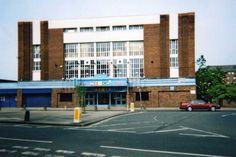 29 May 1963 - UK, Rialto Theatre, York - Beatles & Solo Photos & Videos Forum Rialto Theater, Solo Photo, The Beatles, Theatre, Multi Story Building, York, Videos, Photos, Pictures