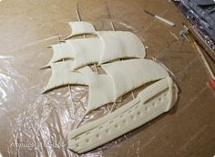 "МК аппликация ""корабль в море""-ship at sea applique tutorial - Мастер-классы по украшению тортов Cake Decorating Tutorials (How To's) Tortas Paso a Paso This application could be use on a cake. This is a Russian site with lots of tutorials"