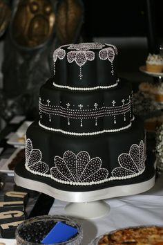 Black and white wedding cake for a speakeasy theme.