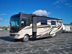 2014 Fleetwood Bounder 35k --- Camper