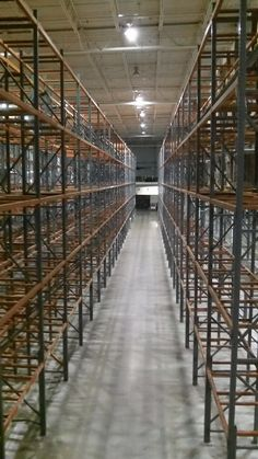Single deep selective rack with pallet supports. Inquire at Speedrack Midwest for used racking like this.