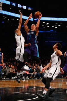 A viral video questioned why NBA officials have never called flagrant or technical fouls on rather violent hits to the Charlotte Hornets' Jeremy Lin. Is the NBA responding corectly?