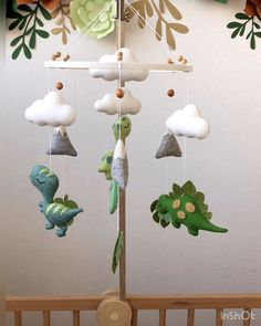 Baby Mobile - Crib mobile - Dinosaur felt baby mobile - Baby shower gift Baby mobile will be a great gift for baby shower. Crib Mobile teaches a child to focus his eyesight. Also you can use the toys from mobile as a part of your future Fotos Baby Shower, Baby Shower Games, Baby Showers, Shower Baby, Dinosaur Nursery, Baby Dinosaurs, Felt Baby, Learning Colors, Baby Boy Nurseries