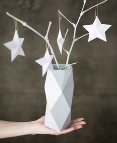 These super chic DIY star ornaments are great for everyday decor.