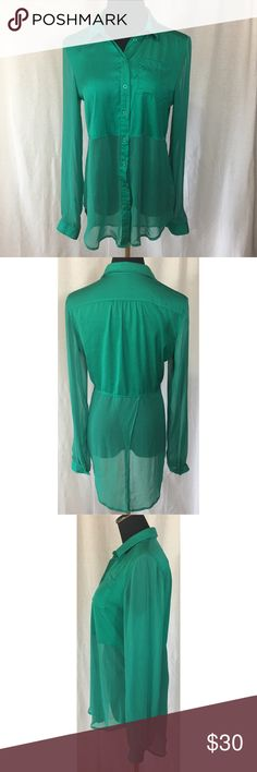 🍀Free People Emerald Green Sheer Button Up This gorgeous Button Up is in great condition, as it was barely even worn. There are a few blemishes in the Sheer, as to be expected with that material- shown in the last 3 pictures. Please feel free to ask questions or make an offer 💞 Free People Tops Button Down Shirts