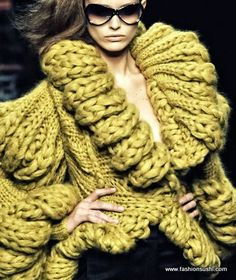 Tricks To Battle Cold Temperature FASHIONABLY http://fashionsushi.com/2013/12/01/10-tricks-battle-cold-temperature-fashionably/