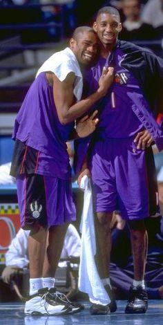 Toronto Raptors Vince Carter (left) and Tracy McGrady Basketball Leagues, Basketball Legends, Sports Basketball, Basketball Players, College Basketball, Funny Basketball Memes, Basketball Pictures, Toronto Raptors, Nba Stars