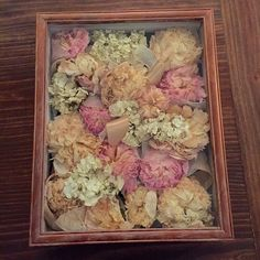 I really want to do this with my bouquet and by that i mean that a diy tutorial for preserving your wedding bouquet and styiling in a shadow box an solutioingenieria Image collections