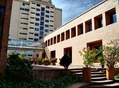 Archivo General, Bogotá  Arq. Rogelio Salmona Montenegro, Bricks, Multi Story Building, Explore, Bogota Colombia, Violets, Computer File, Windows, Architects
