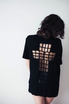 Cut-Out T-Shirt DIYs | this came to me right when I was looking for a design for my shirt.