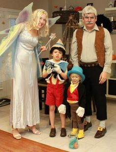 Pinocchio, Jiminy Cricket, Gepetto and the Blue Fairy. Pinocchio, Jiminy Cricket, Gepetto and the Blue Fairy. Disney Family Costumes, Disney Cosplay Costumes, Cute Costumes, Family Halloween Costumes, Disney Halloween, Scary Halloween, Halloween Party, Costume Ideas, Group Costumes