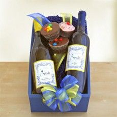 California Delicious - Everyone Loves Cupcakes Wine Gift. $59