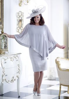 5 collections, 2 designers and two important ladies to dress! Over 50 Modern Mother of the bride and groom outfit ideas will leave them spoilt for choice. Mother Of Groom Outfits, Mother Of The Bride, Cool Outfits, Summer Outfits, Groom Looks, Event Dresses, Bride Dresses, Formal Dresses, Mode Chic
