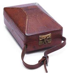Etui pour Kolibri. Une véritable boîte à bijoux... Oldcameras. Jacodi.ch.
