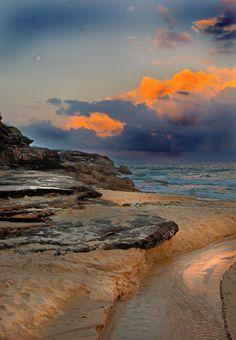 Storm in Bronte Beach, Sydney | Australia (by Edwin Emmerick)