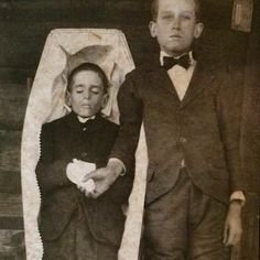 Beyond the Dark Veil – beautifully macabre collection of Victorian post-mortem photography - Boing Boing