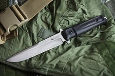 Supreme Trident fixed blade by Kizlyar Knives
