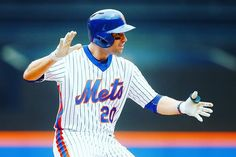 On fire and clutch! What a combo from Neil Walker.  #Mets #Clutch