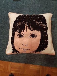 Kissen Throw Pillows, Bed, Cushion, Cushions, Stream Bed, Decorative Pillows, Decor Pillows, Beds, Pillows