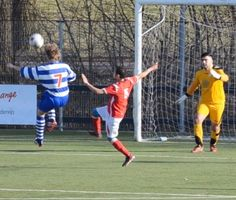 Wat een volley #doelpunt van Niels! Great volley goal bij Voetbalvereniging Oliveo: https://www.youtube.com/watch?v=1PdeN1dVoyU --- http://www.oliveo.nl/nl_NL/news/item/default/10003614