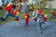 Capes for superman party Superman Party, Superman Birthday, Superhero Party, Birthday Fun, Superman Hero, Birthday Ideas, 20th Birthday, Birthday Parties, Baby Party