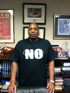 "Check out good friend Ozzie Newsome, General Manager of the Baltimore Ravens in his No Excuses Gear!  He joined the No Excuses Movement, disregarded the negative press, and got ""it"" done and is now SUPERBOWL Bound!    Get your T-Shirt, get ""it"" done. Your purchases go to help promote our  ""random acts of kindness"" campaign. Check out the online store at www.noexcusesmovement.com.    #nfl #ozzienewsom #superbowl #baltimoreravens"