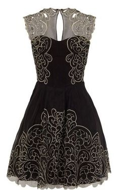 Little black dress with details. (Baroque)