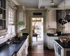 farmhouse chic - this is what I keep coming back to... now making it happen is where I'm at.