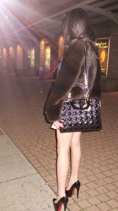 . Lady Dior, Louis Vuitton Speedy Bag, Bags, Fashion, Handbags, Moda, Fashion Styles, Fashion Illustrations, Bag