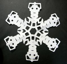 Doctor Who snowflake: Cybermen  Inspired by http://laurelgarver.blogspot.com/2010/12/friday-fun-day.html