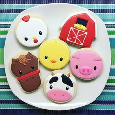 "34 Likes, 1 Comments - BeeLine Treats (@beelinetreats) on Instagram: ""Barnyard cuties for a birthday party! . . . #birthdaycookies #thisis2 #thisistwo…"""