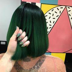 Посмотрите, как замечательно выглядит этот зеленый цвет на волосах. ❤❤❤❤❤❤❤ Великолепная работа! - Елена Сергиенко - Google+