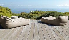 """FLOAT Chaiselongue von PAOLA LENTI!  Der Sessel FLOAT mit weichen und reichlichen Kissen sorgen für Entspannung und Muße.  Holen auch Sie sich Ihre """"Chill-Out-Area"""" auf die Terrasse oder in den Garten. Infos und Bilder unter http://guenstigerdesign.de/details/article/float-paolalenti-chaiselongue-brio.html"""