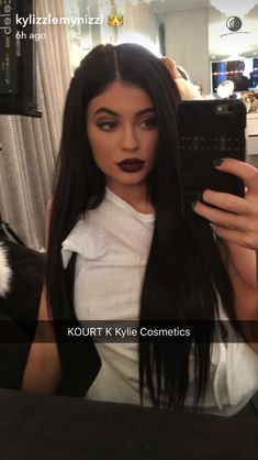 Shared by kendall LA. Find images and videos about makeup, kylie jenner and kourt k on We Heart It - the app to get lost in what you love. Trajes Kylie Jenner, Kendall Y Kylie Jenner, Looks Kylie Jenner, Estilo Kylie Jenner, Kyle Jenner, Kylie Jenner Makeup, Kylie Jenner Outfits, Kylie Jenner Style, Kardashian Jenner