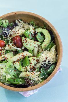 Delicious Pasta Salad with Avocado Dressing | http://mayakitchenette.com/delicious-pasta-salad-avocado-dressing/