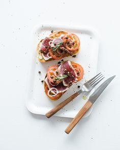 Seared Tuna & Tomato Bruschetta