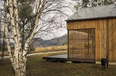 Team Green Architects created a sustainable, simple retreat on a rural property in Dalefield, New Zealand.